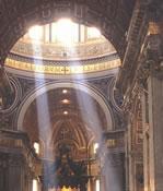 Rayons de lumière dans une église