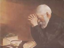 Vieil homme qui prie