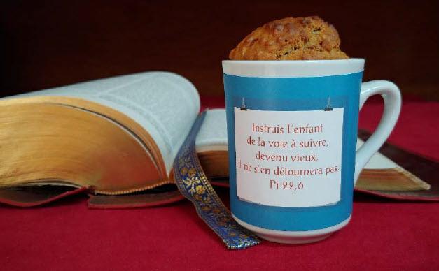 Bible et tasse