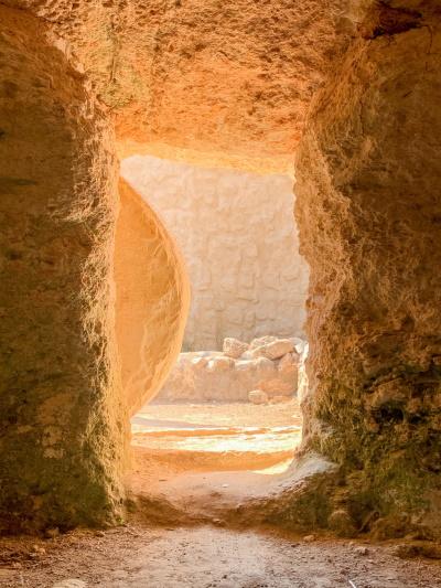 Tombeau vide, pierre roulée par Pisit Heng (unsplash.com)