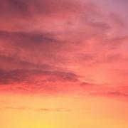 Ciel en couleurs - Les routes sans fin (unsplash.com)