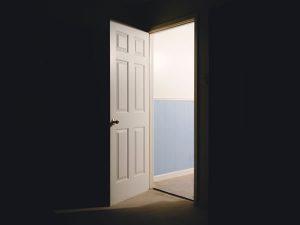 Porte ouverte par Matthew T Rader (unsplash.com)